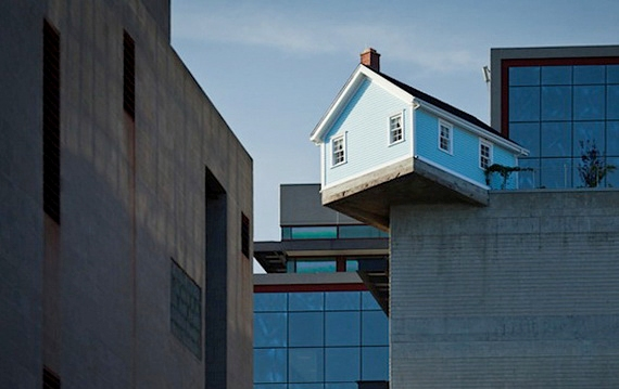 дом на крыше3 (570x359, 98Kb)