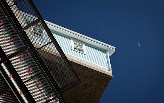 дом на крыше5 (570x358, 131Kb)