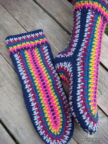 Носки вязаные крючком без вывязывания пятки-она получается при сшивании с подошвой/4683827_20120611_212953 (359x479, 94Kb)