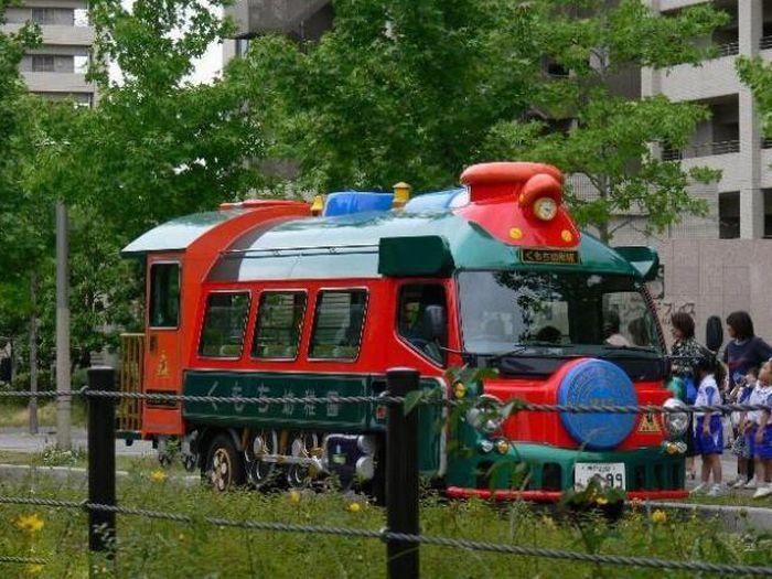 японский школьный автобус фото 8 (700x525, 110Kb)