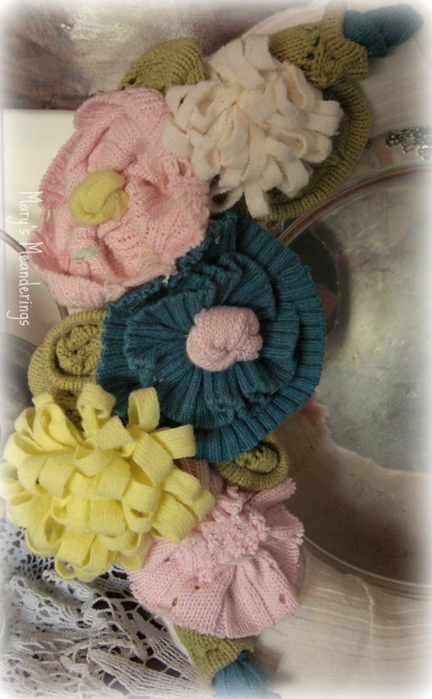 sweater wreath pastel (432x700, 336Kb)
