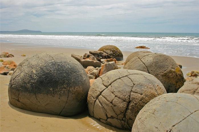 кругклые камни Моераки 2 (700x466, 233Kb)