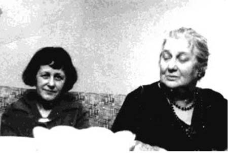 Ахматова и Петровых (450x301, 15Kb)