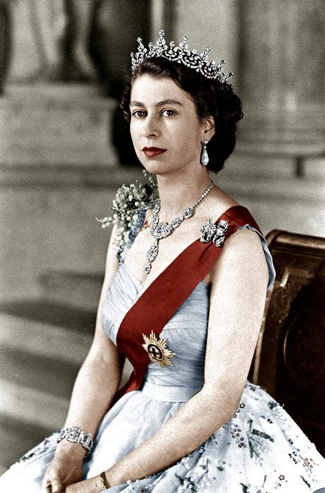 королева (461x700, 84Kb)
