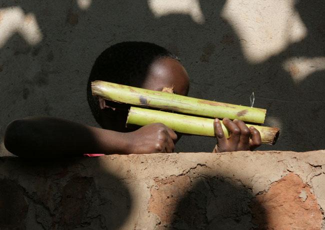 игрушки африканских детей фото 7 (650x460, 56Kb)