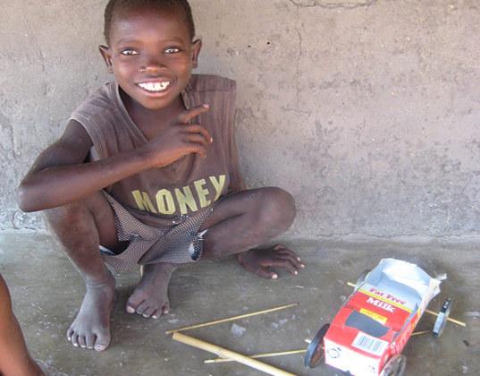 игрушки африканских детей фото 9 (537x420, 65Kb)
