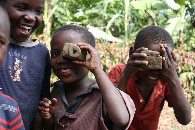 игрушки африканских детей фото 11 (650x434, 77Kb)