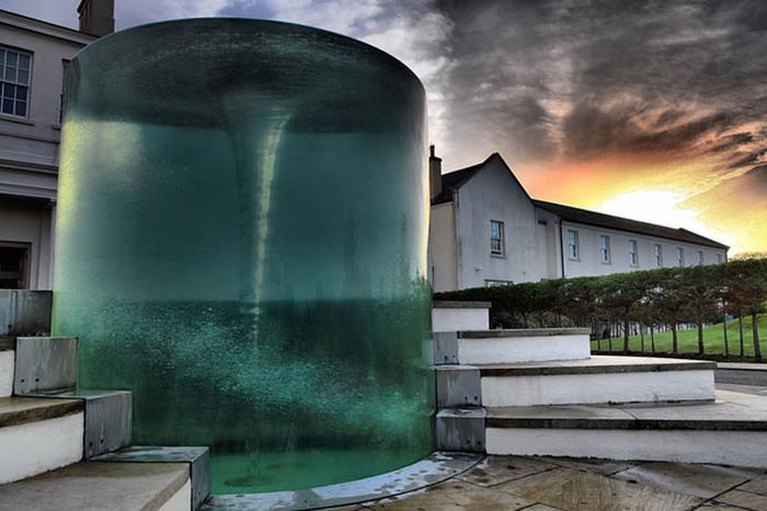 красивый фонтан фото 4 (700x467, 97Kb)