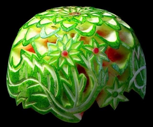Креативнsй карвинг из овощей и фруктов1 (640x533, 72Kb)