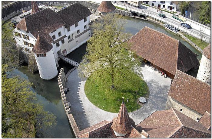 Замок Хальвиль (Schloss Hallwyl) 19432
