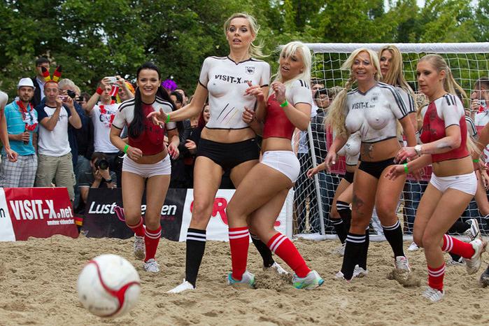 женский футбол картинки порно