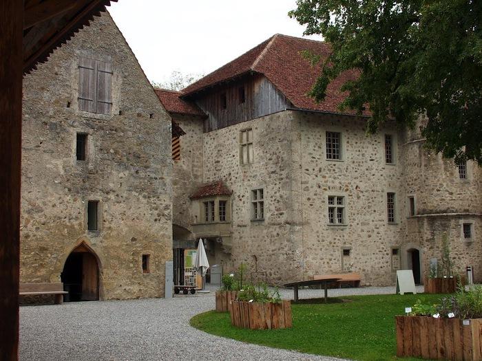 Замок Хальвиль (Schloss Hallwyl) 75799