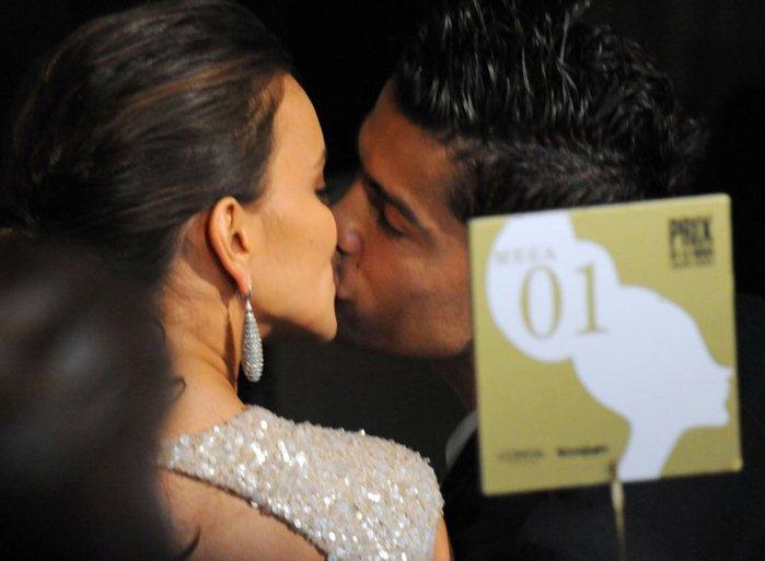cristiano-ronaldo-irina-shayk-kiss (700x513, 43Kb)