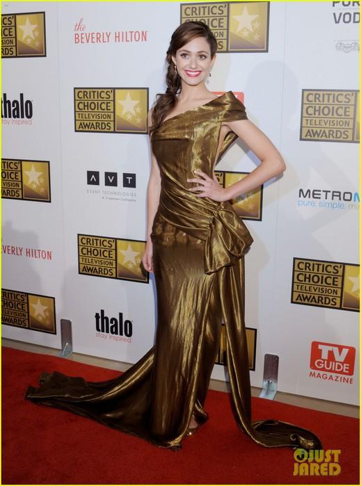 christina-hendricks-emmy-rossum-critics-choice-tv-awards-07 (519x700, 92Kb)