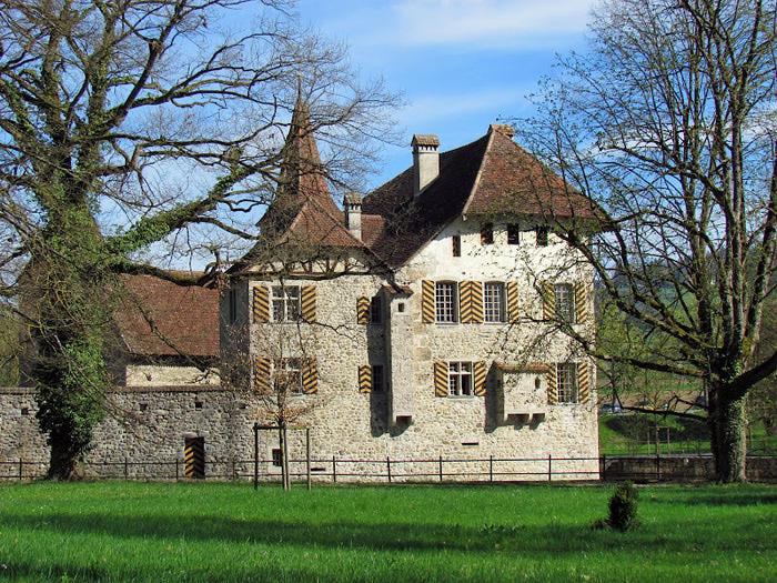 Замок Хальвиль (Schloss Hallwyl) 73255