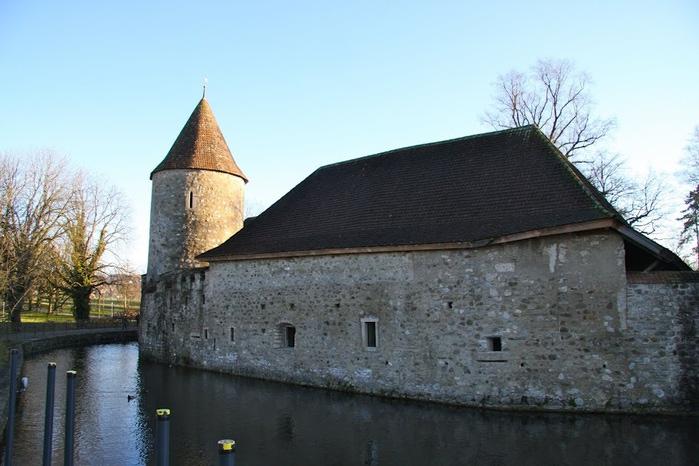 Замок Хальвиль (Schloss Hallwyl) 74235