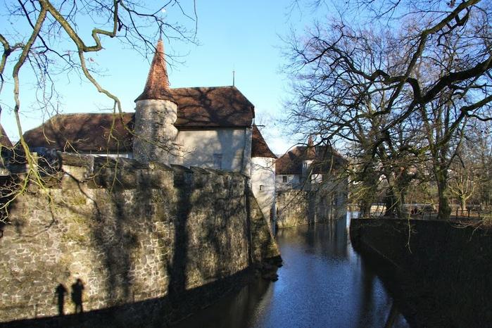 Замок Хальвиль (Schloss Hallwyl) 85032