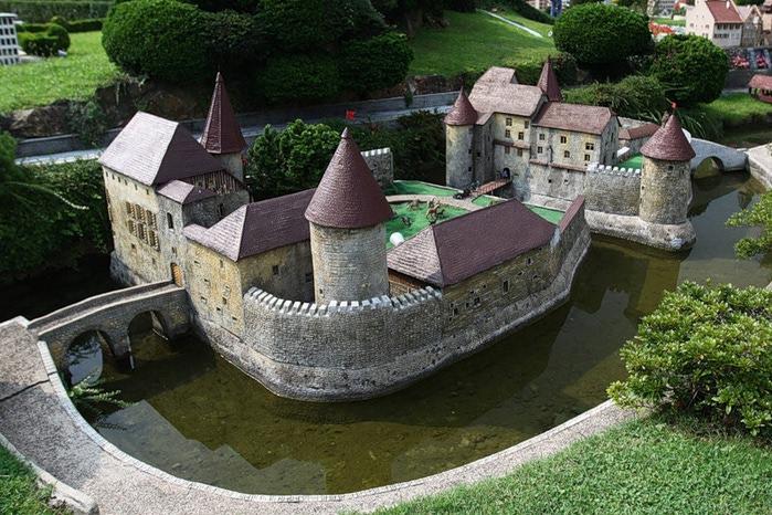 Замок Хальвиль (Schloss Hallwyl) 18005