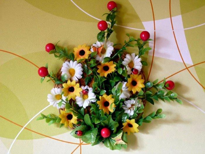Поделка из искусственных цветов 71