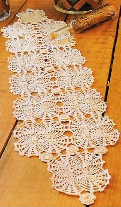 Centro de Mesa Crochet Abacaxis e Flor (409x700, 252Kb)