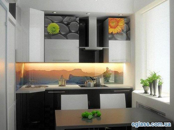 Не нужно только забывать, что стеновые панели из стекла для кухни вряд