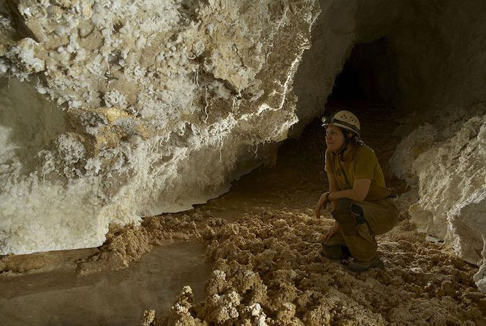 пещеры5 (700x468, 155Kb)