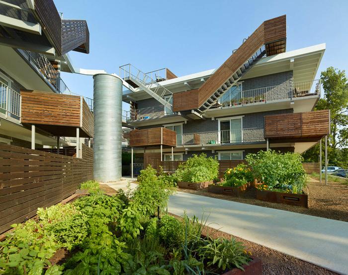 современный жилой комплекс фото 1 (700x552, 268Kb)