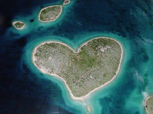 Остров Галесняк в виде сердца, Хорватия (604x453, 44Kb)