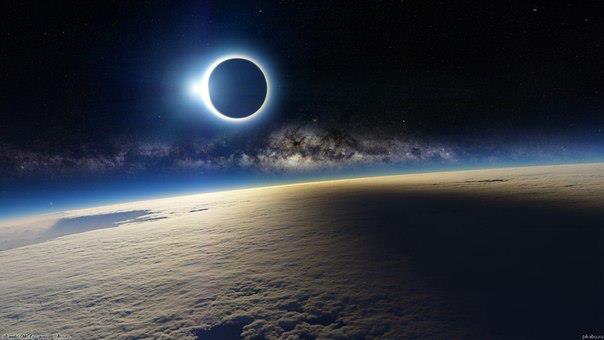 Солнечное затмение с борта международной космической станции (604x340, 24Kb)