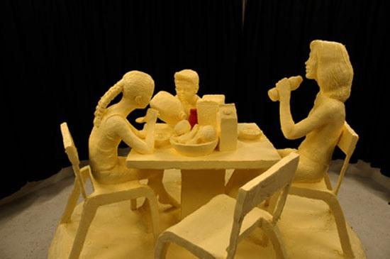 скульптуры из сливочного масла  5 (550x365, 31Kb)