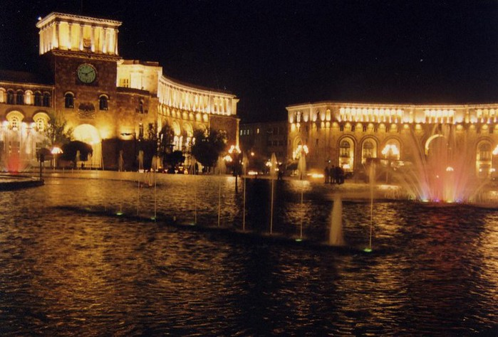 Фотопутешествие в Ереван 20 (700x474, 94Kb)