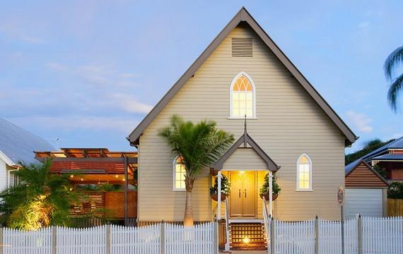 дом в церкви (570x360, 126Kb)