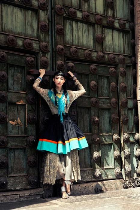 модная фотосессия в этническом стиле 2 (466x700, 270Kb)