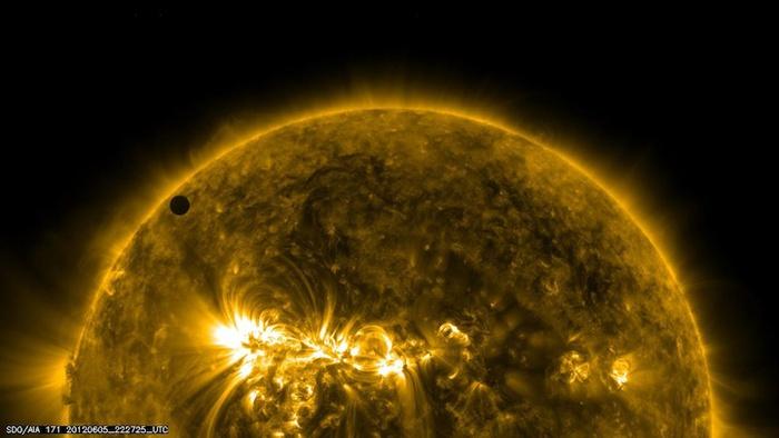 космические фото наса 3 (700x394, 73Kb)
