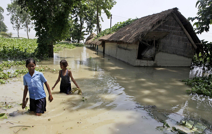 наводнение в индии 6 (700x441, 148Kb)
