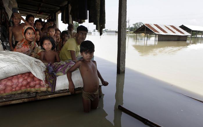 наводнение в индии 8 (700x439, 89Kb)