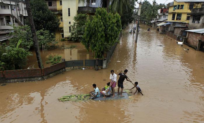 наводнение в индии 10 (700x423, 129Kb)
