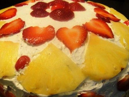 3407372_Stuffed_strawberry_pineapple_cake (446x336, 24Kb)