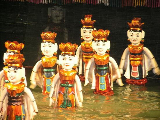 Театр кукол на воде (550x412, 174Kb)