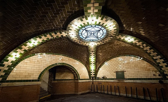 заброшенная станция метро в нью-йорке2 (570x347, 167Kb)
