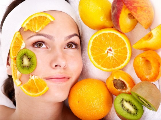 1341817978_Natural_homemade_fruit_facial_masks__Gennadiy_Poznyakov (560x420, 50Kb)