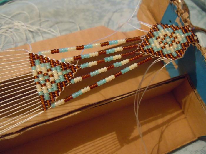 Мастер-класс по плетению гердана из бисера на станке.