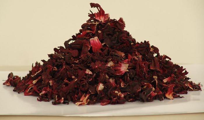 красный чай из чего делают