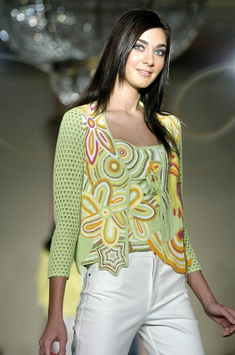 97912_Escada_Miami_Spring_06_Celebrity_City_FS_1173_123_872lo (463x700, 237Kb)