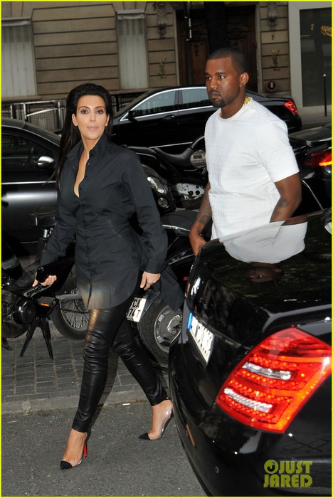 kim-kardashian-kanye-west-back-in-paris-03 (468x700, 94Kb)