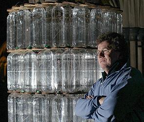 Британцы обогреваются бутылками с кипятком (295x249, 108Kb)