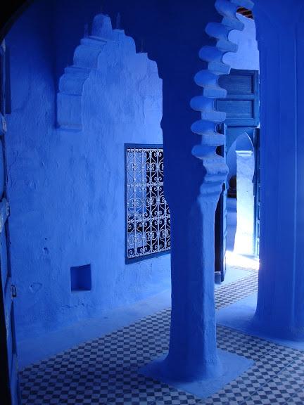 В голубом этот город всплыл, Чистота или утро в нем. 95539