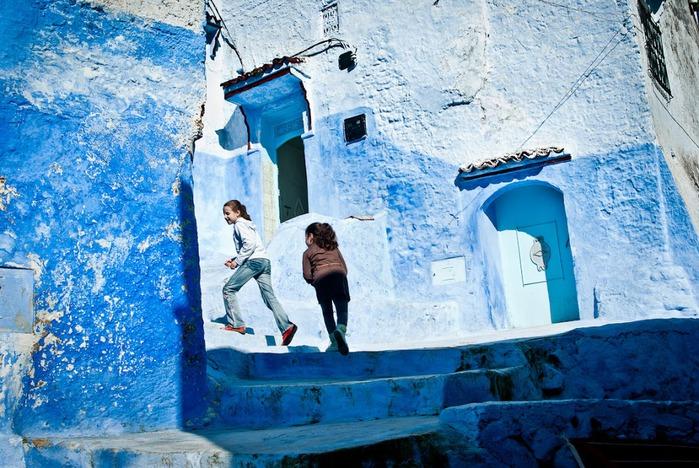 В голубом этот город всплыл, Чистота или утро в нем. 15549