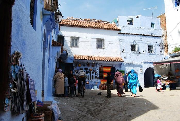 В голубом этот город всплыл, Чистота или утро в нем. 37312