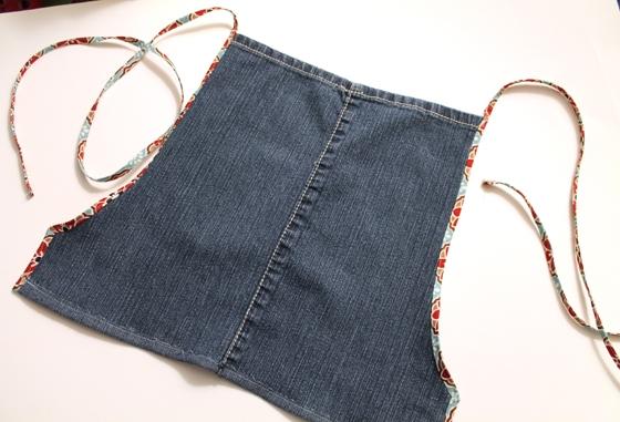 как сшить фартук из джинсов (13) (560x381, 170Kb)
